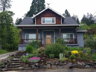 Beautiful, craftsman-style home in the hills, close to U of O