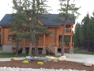 Family Friendly Log Home Sleeps 8