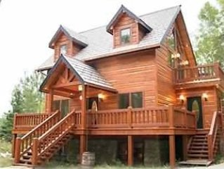 Bella Villa Log Home, One of a Kind Secluded Retreat