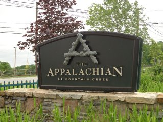 Appalachian Hotel * Mt. Creek, 1 Bedroom, 1 Bath Condo, Mountain views & Balcony