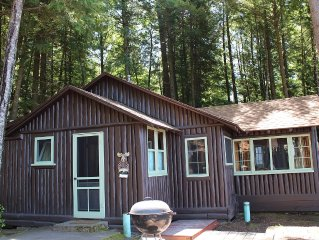 Truely Northwoods Lakefront Cabins