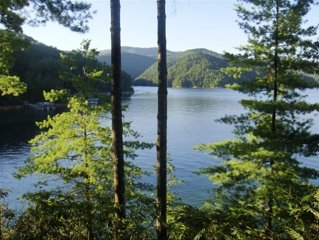 Jocassee Lakehouse with Lake on Three Sides!