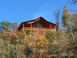 Almost Heaven has Views! Pool Table! Huge Hot Tub! DVR! Fireplaces! Huge Porches