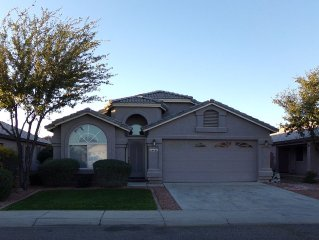 Super 4 Bedroom Home - Glendale/Peoria Location