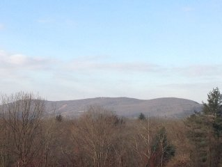 Private Apartment With A View Close To Mt Holyoke College