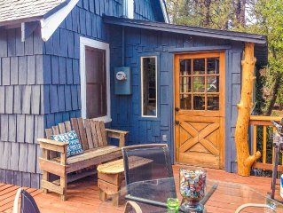 REINDEER COTTAGE vintage 3BR, Fireplace, Mntn Views, Sauna, Pets OK, $49 Ski Tix