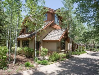 Platinum-rated Arrowhead Village Townhouse - 20% off remaining March dates