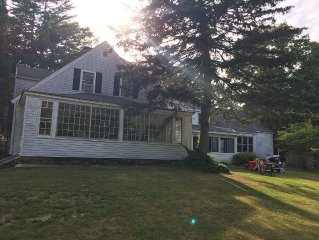 *NEW TO VRBO* Spacious five bedroom farm house on beautiful Mount Williams Pond
