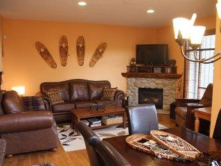 Luxurious & Spacious 4 Bdrm+Bonus Room Townhouse,Ski-in/Ski-out,Hot Tub,BBQ,View