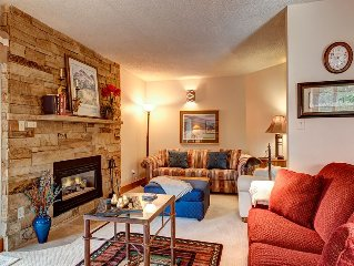 Powderhorn 2 Bed, 2.5 Bath, Ski-In Ski-Out, Walk Downtown - SPRING SKI SPECIALS!