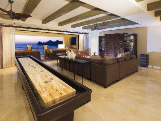Luxury 5th floor 3,970sf unit, 4 bedrooms all w/ beautiful ocean views. 4.5 bath