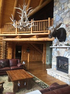 Pristine Custom Log Home! Minutes To Gore and all Adirondacks have to offer