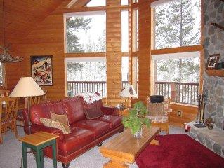 Mtn Cabin with Views - Hot Tub - WiFi - 3 BR + loft - Sleeps 10