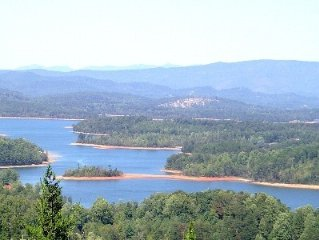 Spectacular Views! Lake/Layered Mtns