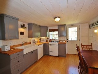 Charming Year-Round Cottage On Marshall Pt., Walk To Beach, Lighthouse And Harbo