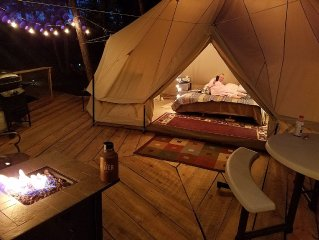 Sibley tent , on elev tree deck. Kid/Pet Friendly! Romantic.