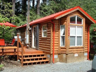 TWO CABINS AND A CABOOSE / Hot Tub / Beach