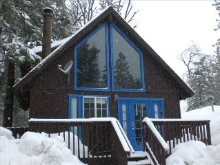 Tao cabin #2. Only 2 miles to Snow Valley Ski Resort. Online booking available.