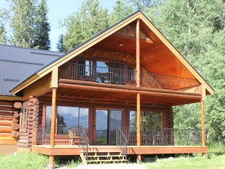 Beautiful Solar-Powered Log Cabin 3 miles from Glacier National Park Entrance