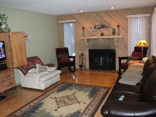 Scenic Golf Resort Condo W/ Pool/Tennis/Dining  betwn Harbor Springs & Petoskey