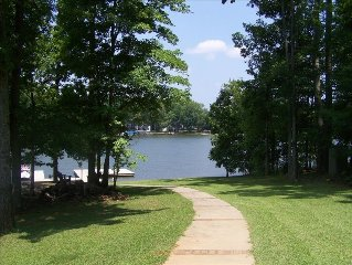 Lake Oconee Deep Water!Great Swimming/SkiingSleeps 2-12