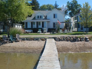 Quaint Cottage on Wamplers Lake 'Gold Coast' Shoreline