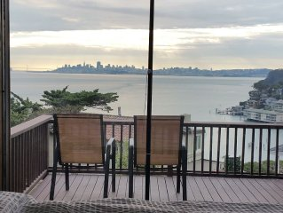 Spectacular Panoramic Bay Views Meet Mid Century Modern Chic. Easy Walk Downtown