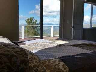 2800 SF house amazing views and sunsets 20 private acres w/spa & hiking trails