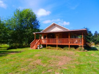 The Johns River Retreat - 2 Bedroom One Bath Cabin with Sauna