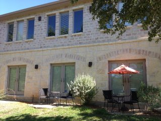 Boerne Hill Country 3000 Sq Ft Guest House With Pool On 5 Gated Acres, Sleeps 12