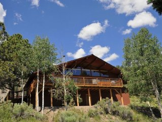 Magnificent Mountain View Cabin-Remodeled Bathrooms, Walk-In Showers