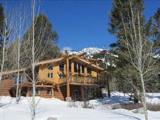 Open, Sunny and View-Laden 4 BR/4 BA Luxury Mountainside Home