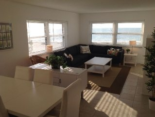 Corner Unit On The Beach With Great Views