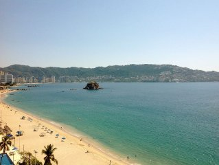 Peacefull Condo with Gorgeous View of Acapulco Bay