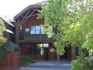 Cozy Condo in the Heart of Bigfork Sleeps 4