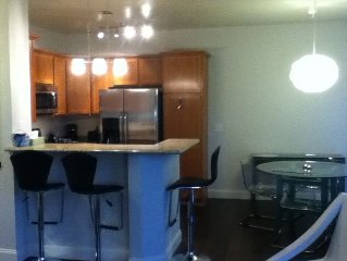 Modern 2BR Condo, Walk to Green Valley Ranch/Shopping