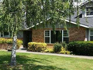Huge home in Medford, Hot Tub!  Ask about our last minute specials!