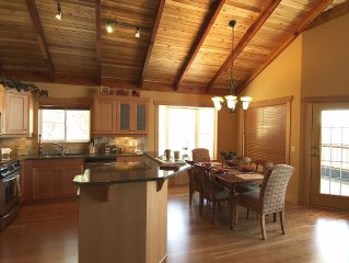 Ultimate Luxury, Slopeside with Steam Shower, Hot Tub, View