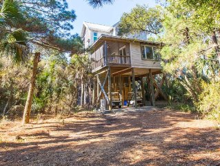 4 Bedroom Home Across from Beach Access on Private Island