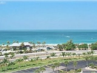 Gulfview 8th Floor Condo - Cosy and clean with a perfect view - Free wifi, vacation rental in Bonita Springs