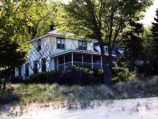 Charming Cottage on Lake Michigan