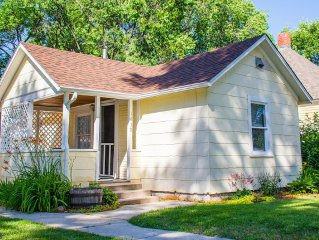 Pet Friendly Cottage located between Old Colorado City and Downtown!