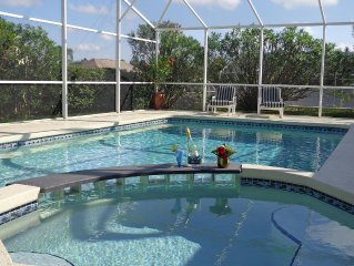 Gorgeous, near parks, 2 master suites, private pool&spa, covered patio, wifi