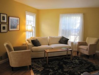Charming, Comfortable, Centrally located home 4 +2 1/2 (Sleeps 7)