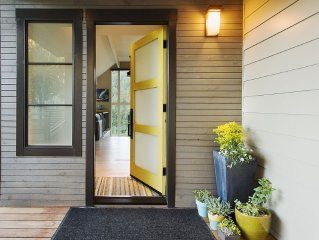 Mid-Century Modern With Incomparable Views In A+ Location- Walk To Town
