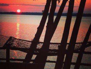 ADK Coast, Winter Sale! Executive Retreat: Adirondack Cabin on Lake Champlain