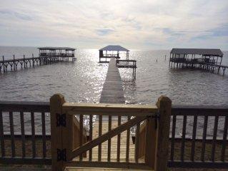 Charming Bayfront Getaway