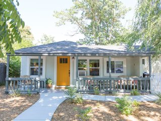 Wine, Dine, & Relax On Pine -3 Short Blocks To Downtown!