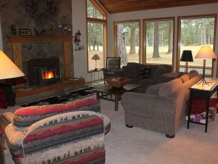 Great Location w/hot tub! Close to Lodge!