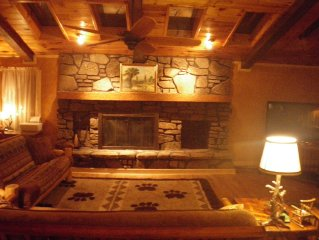 Rustic Lodge, 20 Secluded Acres, Amazing Decks and View, Must See!